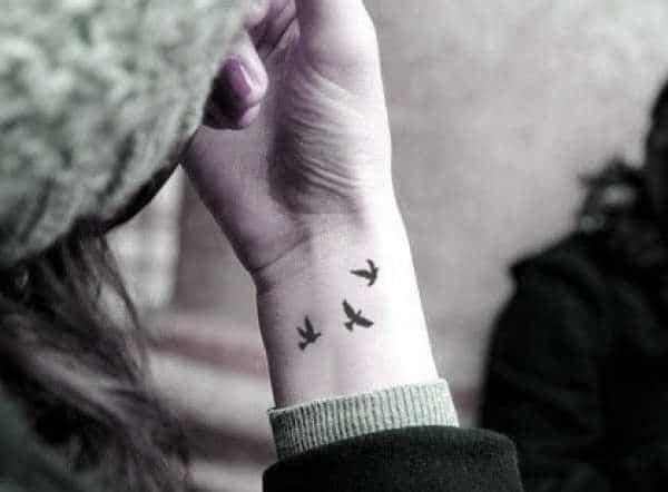 57-tatuagens-femininas-no-pulso